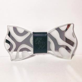 CLEAR MIRROR ANIMAL PRINT – GLASS BOW TIE